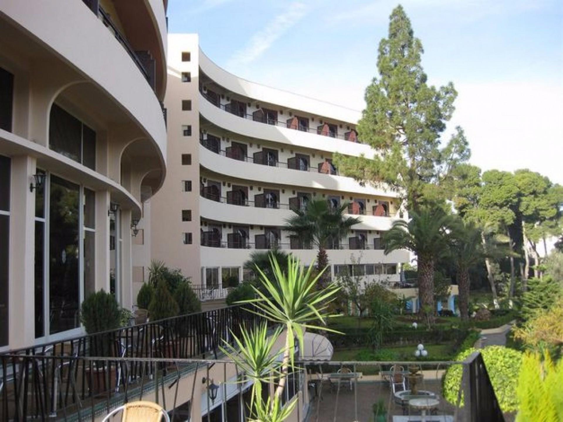 Hotel Almanatour