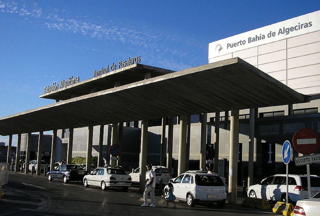 entrada-principal-pasajeros-embarque-puerto-algeciras